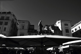 Flash urbani - An unusual Roma
