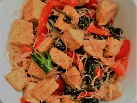 Tempeh with Noodles Stir-Fry