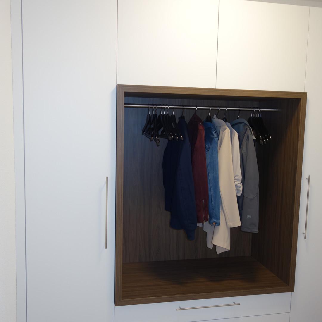 Kleiderschrank.JPG