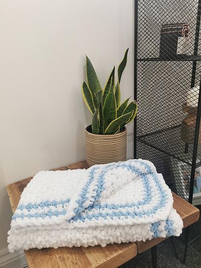 Nanny's Blanket - white & blue