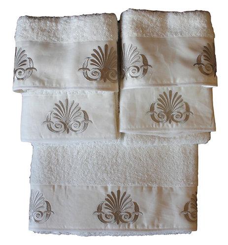 "Set asciugamani ricamati ""Ara pacis"""