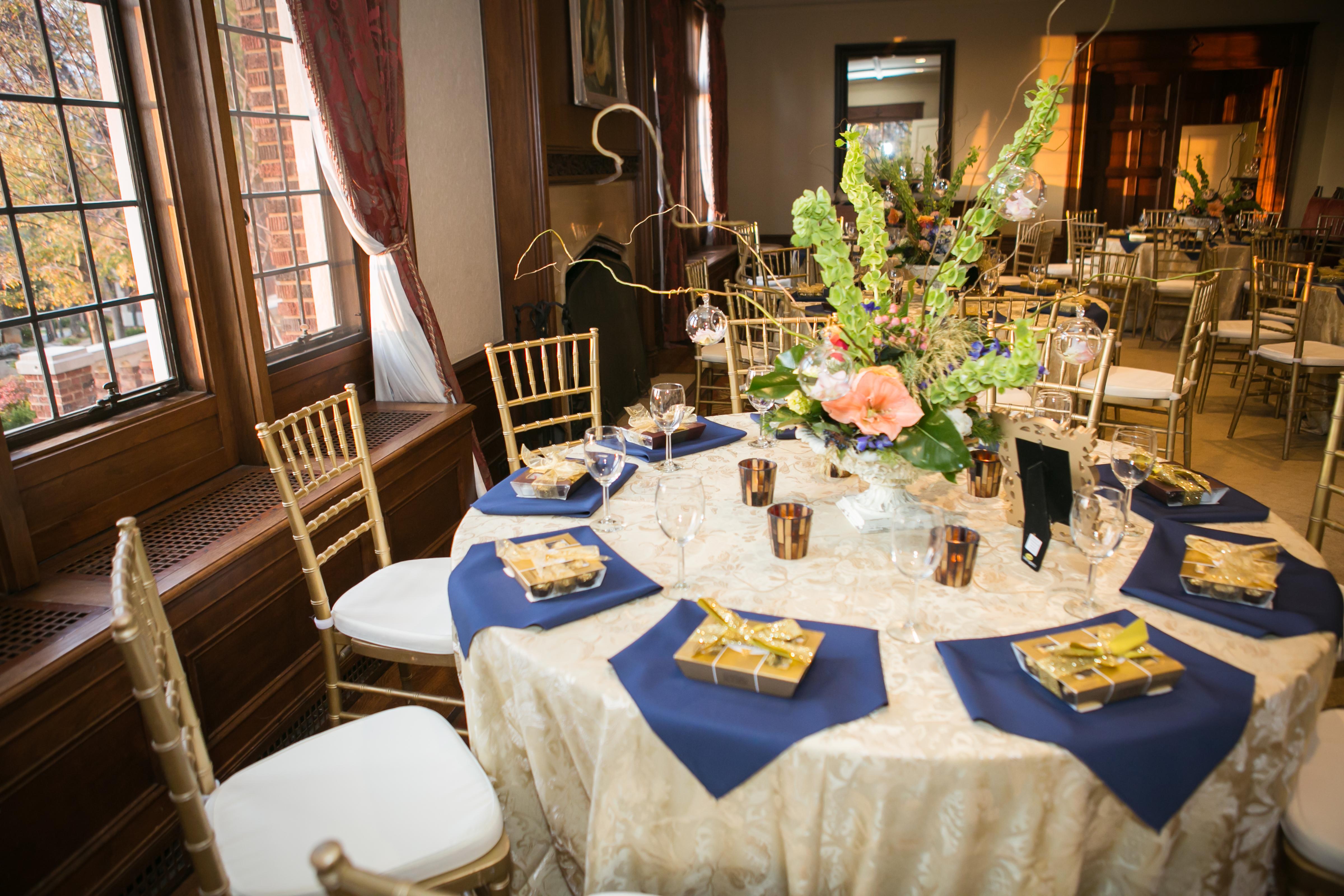 Mansion guest table decor