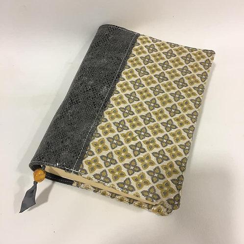 Couvre-livre format 22 x 15 cm