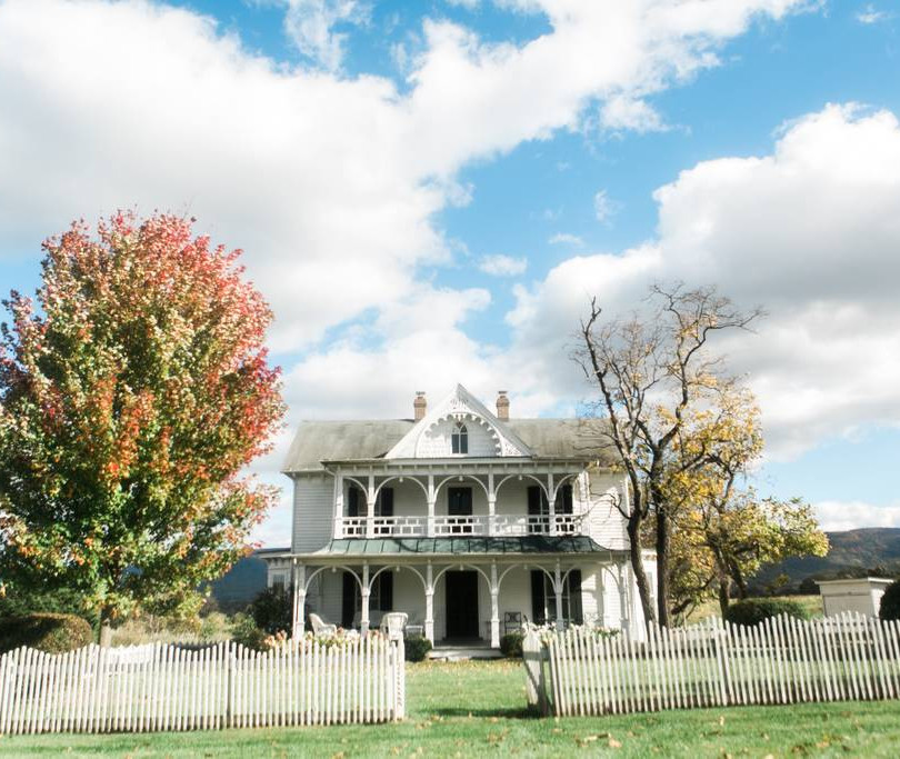 1800's Farmhouse.jpg