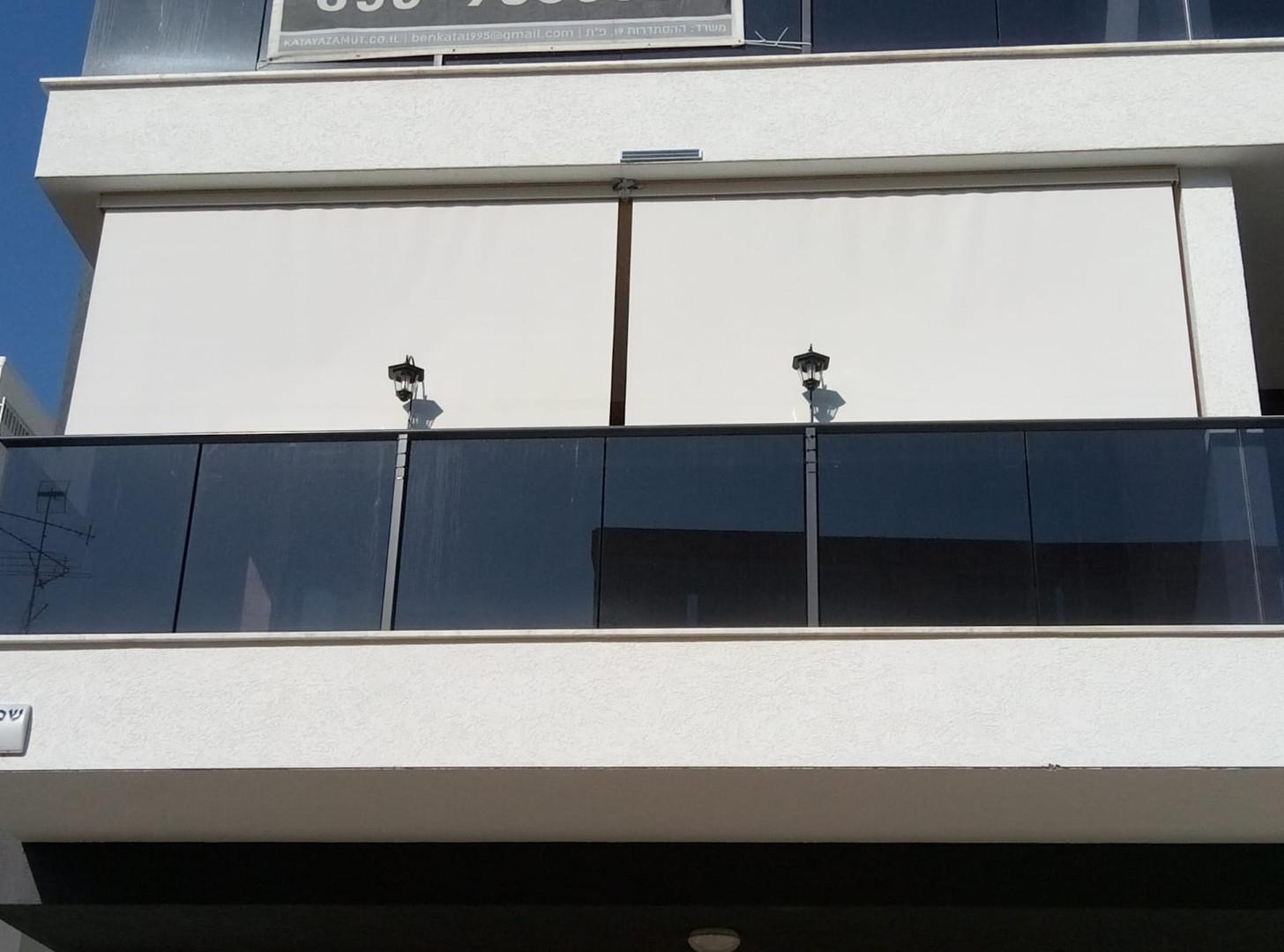 וילון למרפסת שמש