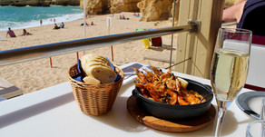 Our favorite beach & restaurant in Albufeira!
