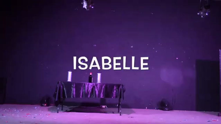 Les Visiteurs - Isabelle