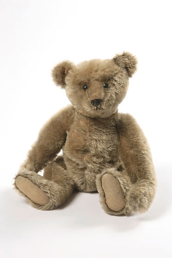 Toy Steiff teddy bear, ca. 1906-1910 (c)
