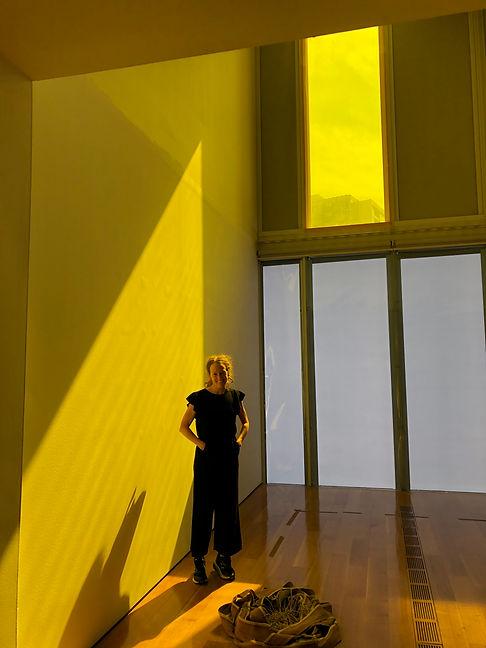lauri. aura no. 2 installation, choreogr