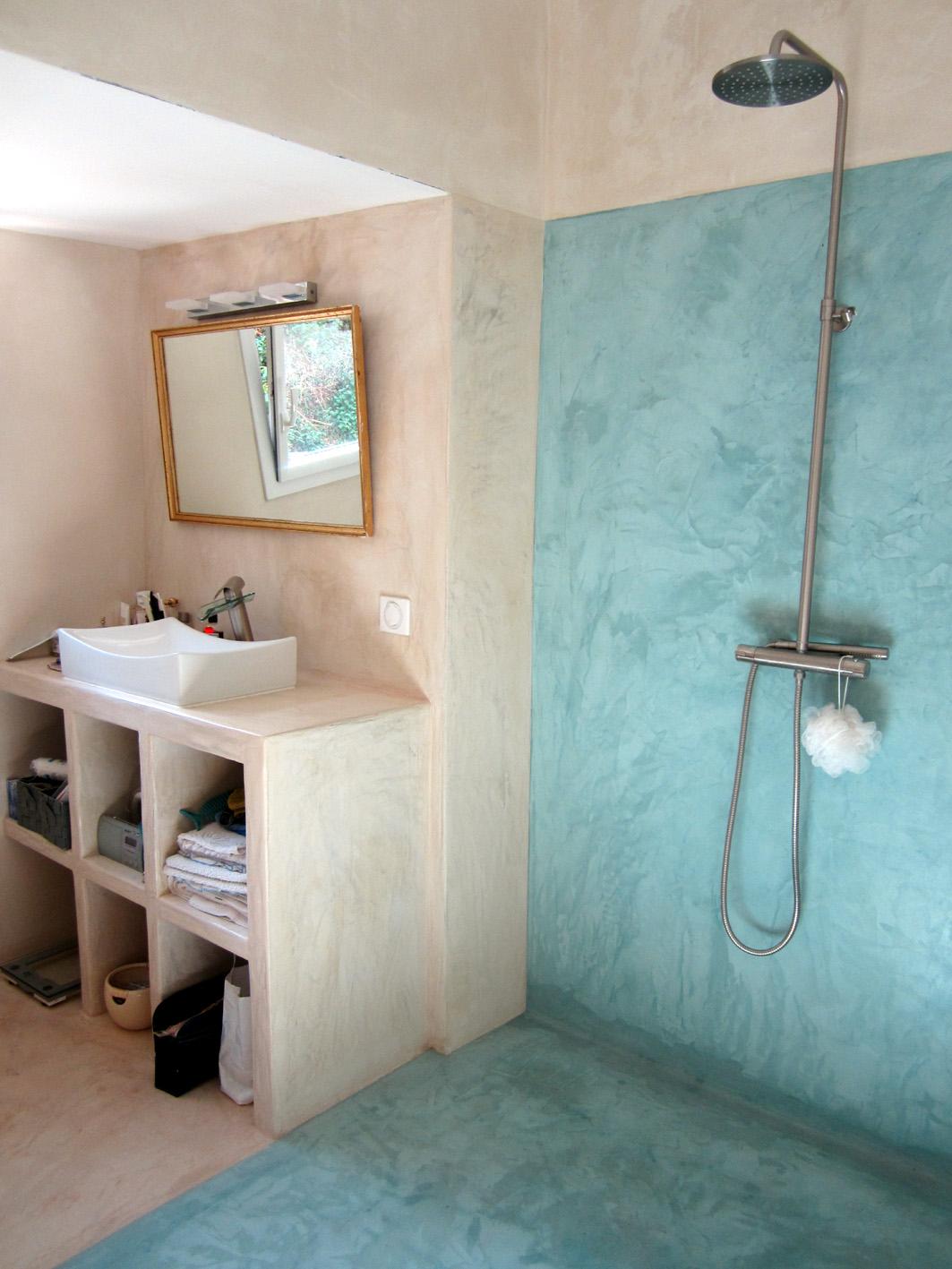 - Salle d'eau à Vaison-la-romaine