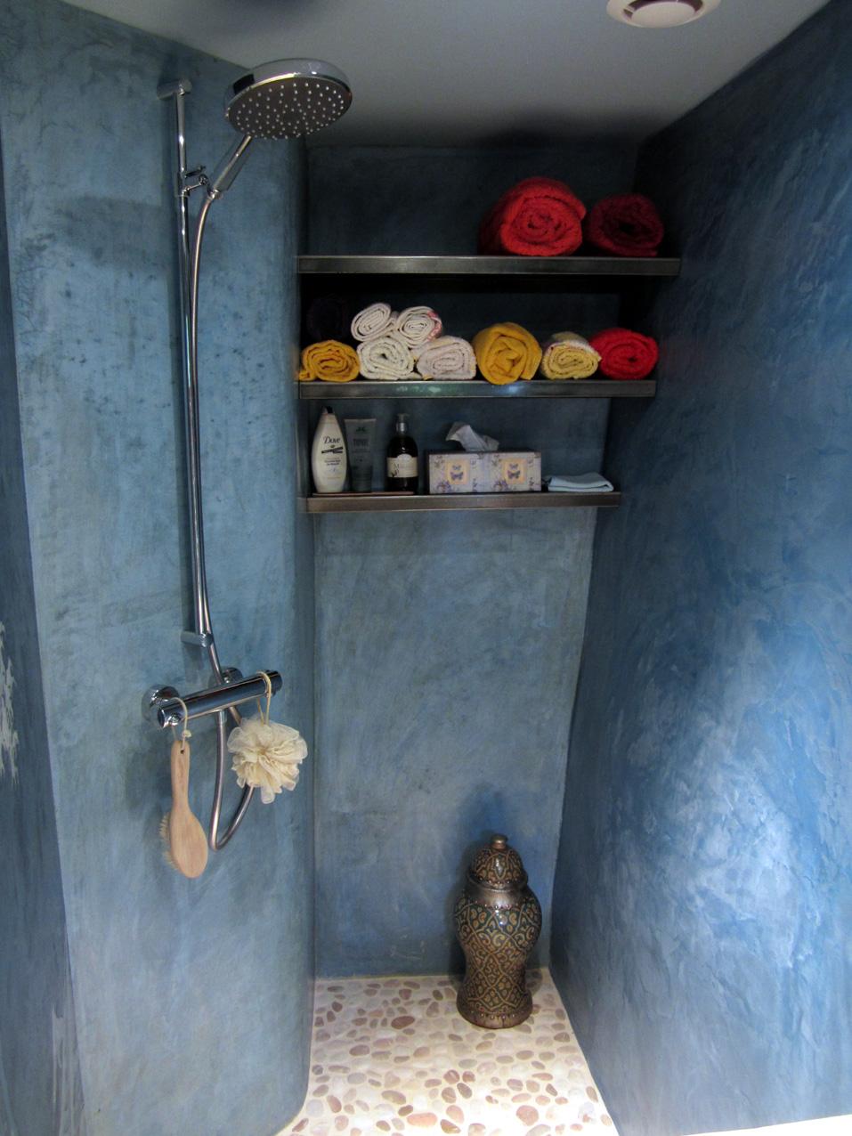 -Salle d'eau à Marcillac-sur-Célé