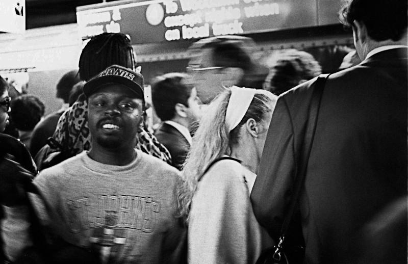 地下鉄の出会い頭にいた男 (ニューヨーク)