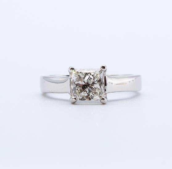 Diamond princess cut ring