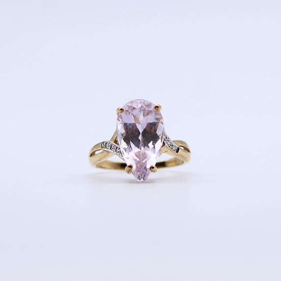 Cubic zirconia tear drop shape ring