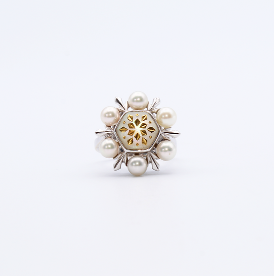 Pearl with gold inlay dress ring