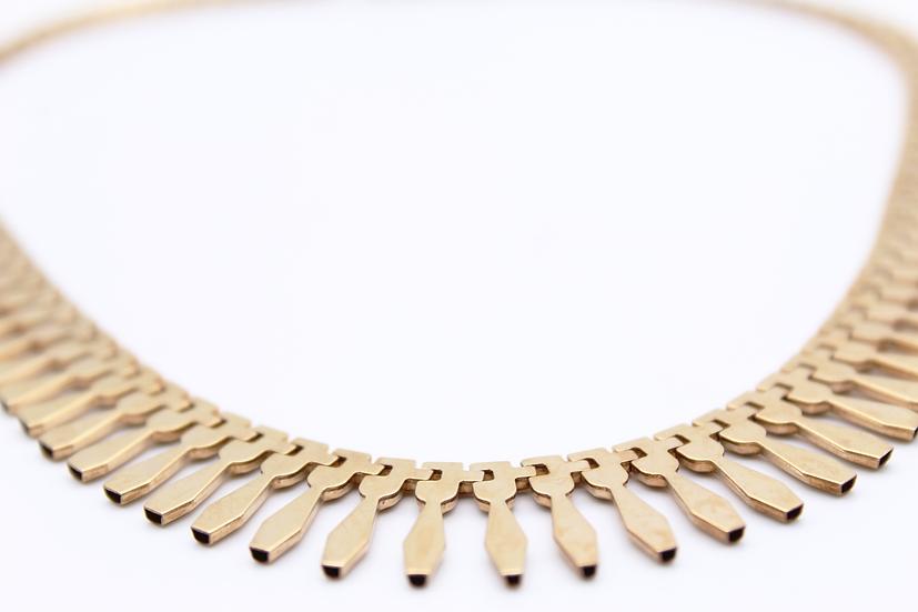Fringe collar necklace