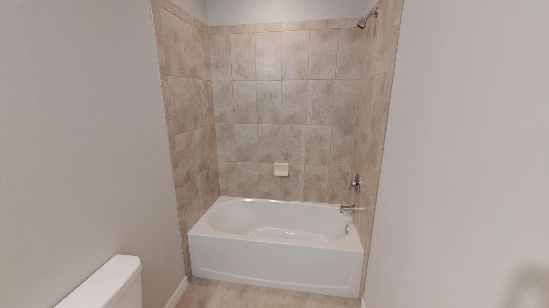Cape Coral Duplex - Hall Bath 2