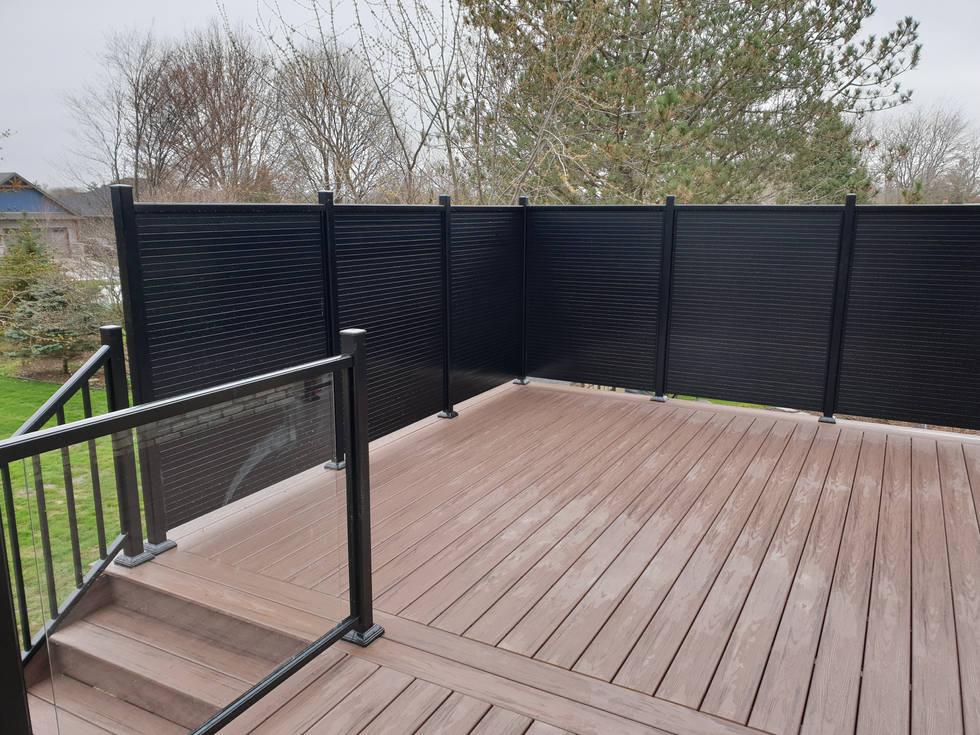 Black Aluminum Rail and Privacy Screen