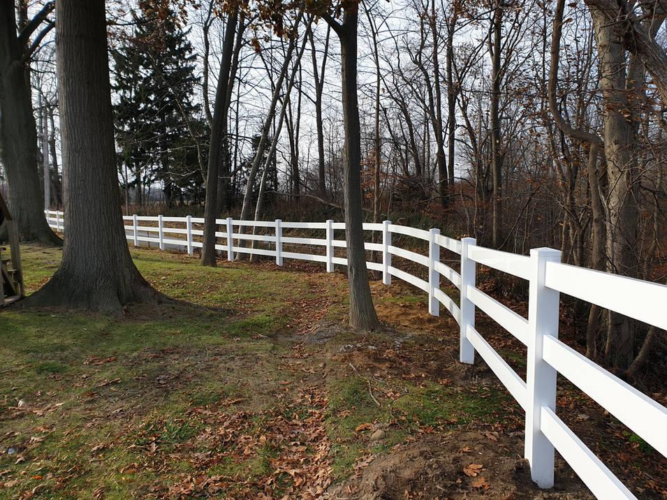 Vinyl Ranch/Farm Fence