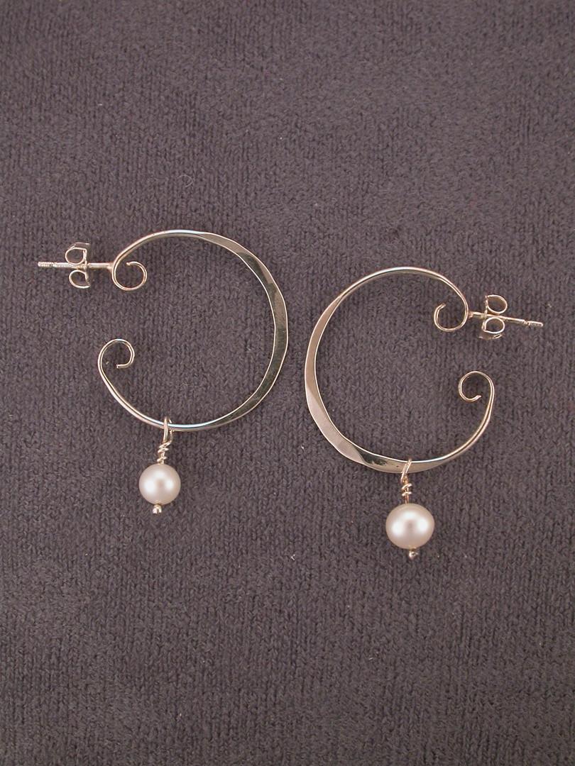 2 Hoops w-Pearl.JPG