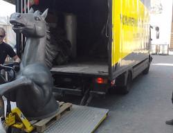 Skulptur-Transport Pferd