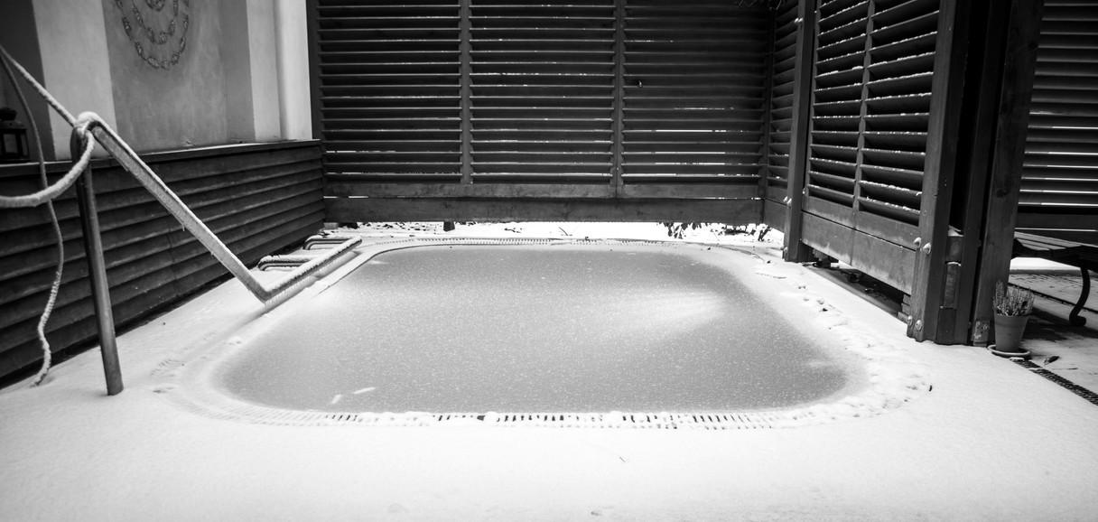 zamrzly bazen.jpg
