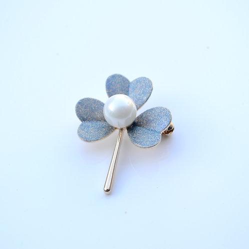 Beautiful Clover Fashion Metal Brooch Pin Wedding Birthday Party Gift