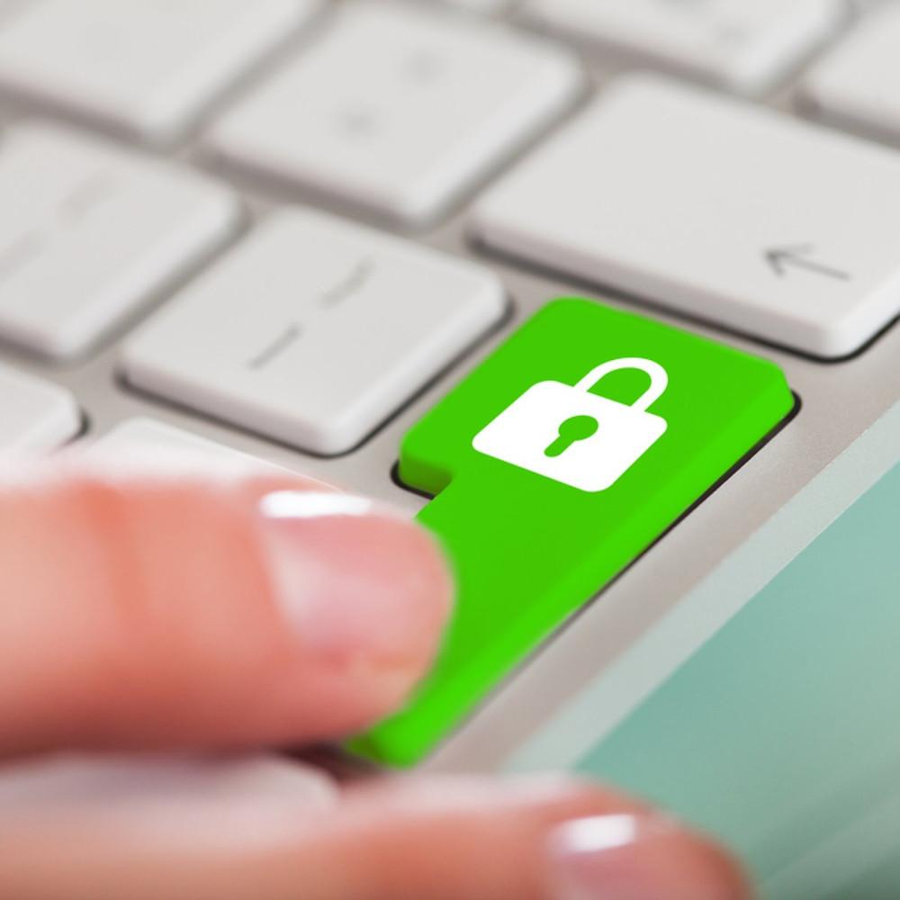 Como evitar sites falsos. sites fakes. Segurança na internet.