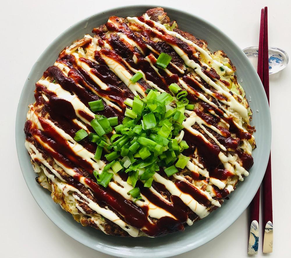Okonomiyaki – kopūstų blynas