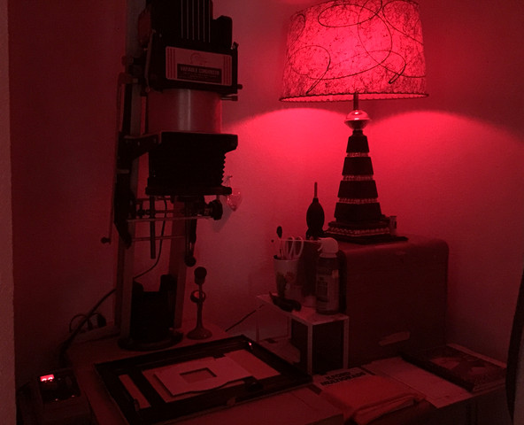 I have the perfect nook for my Omega D enlarger, paper safe, and swanky safe light.