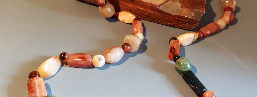 Beautiful stone and agate long vintage beads