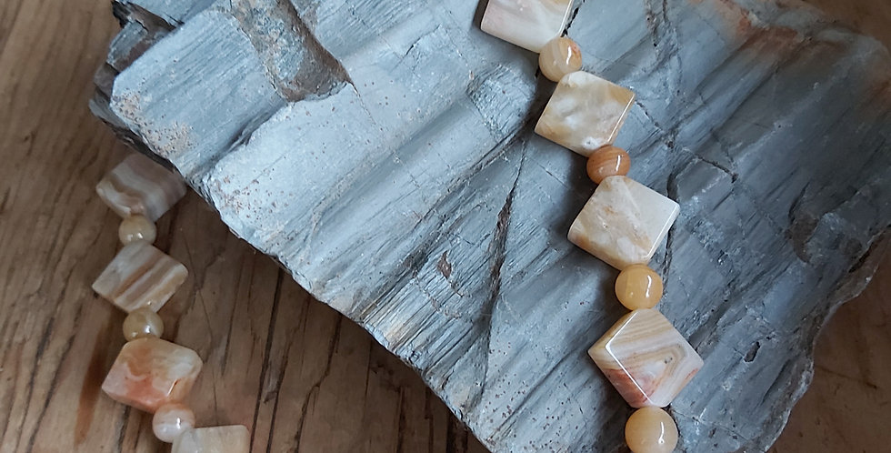 Butterscotch agate diamond-shaped beads