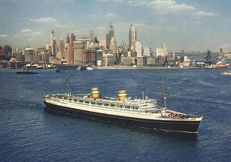 Nieuw-Amsterdam-1938-Black-hull-departin