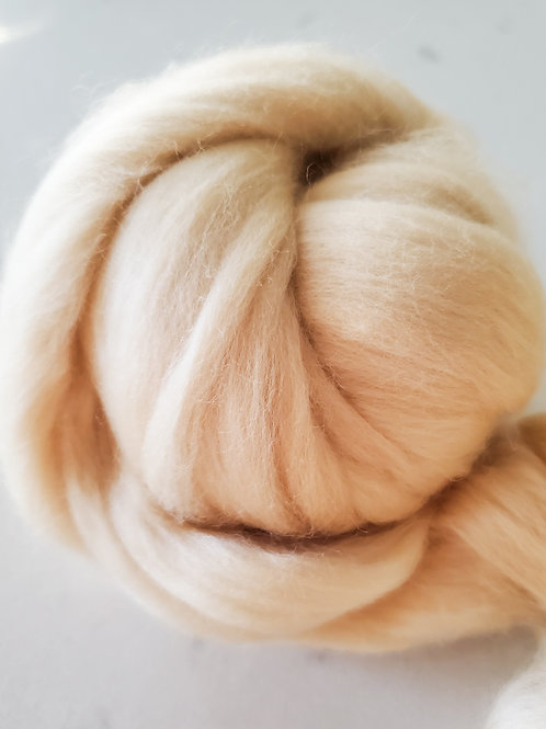 1lb Banana Cream Wool Roving