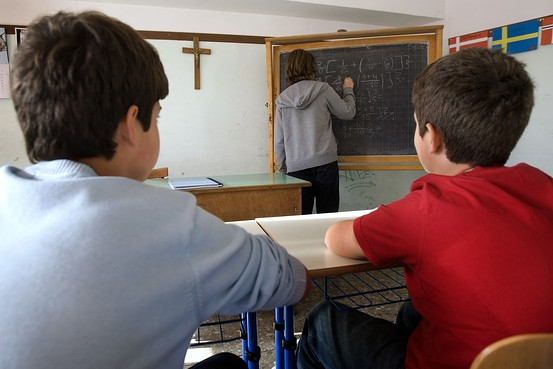 classroom-with-crucifix