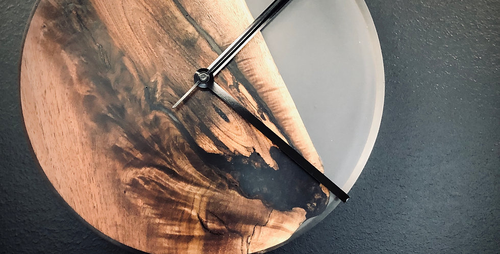 Resin & Wood Clock