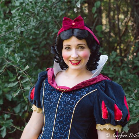 Macon Snow White