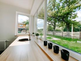 Skandināvu stila divstāvu māja