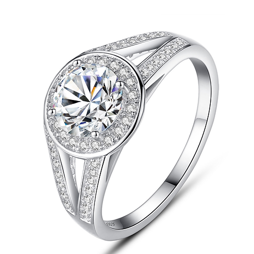 Round Cut Large Diamond, Clear CZ
