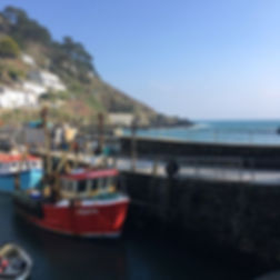 Just had to pop into _herringbonepolperro today! Lovely bright cold spring day, Monty even managed a