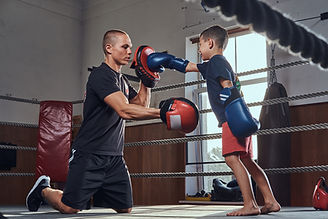 little-kid-got-his-first-boxer-training-