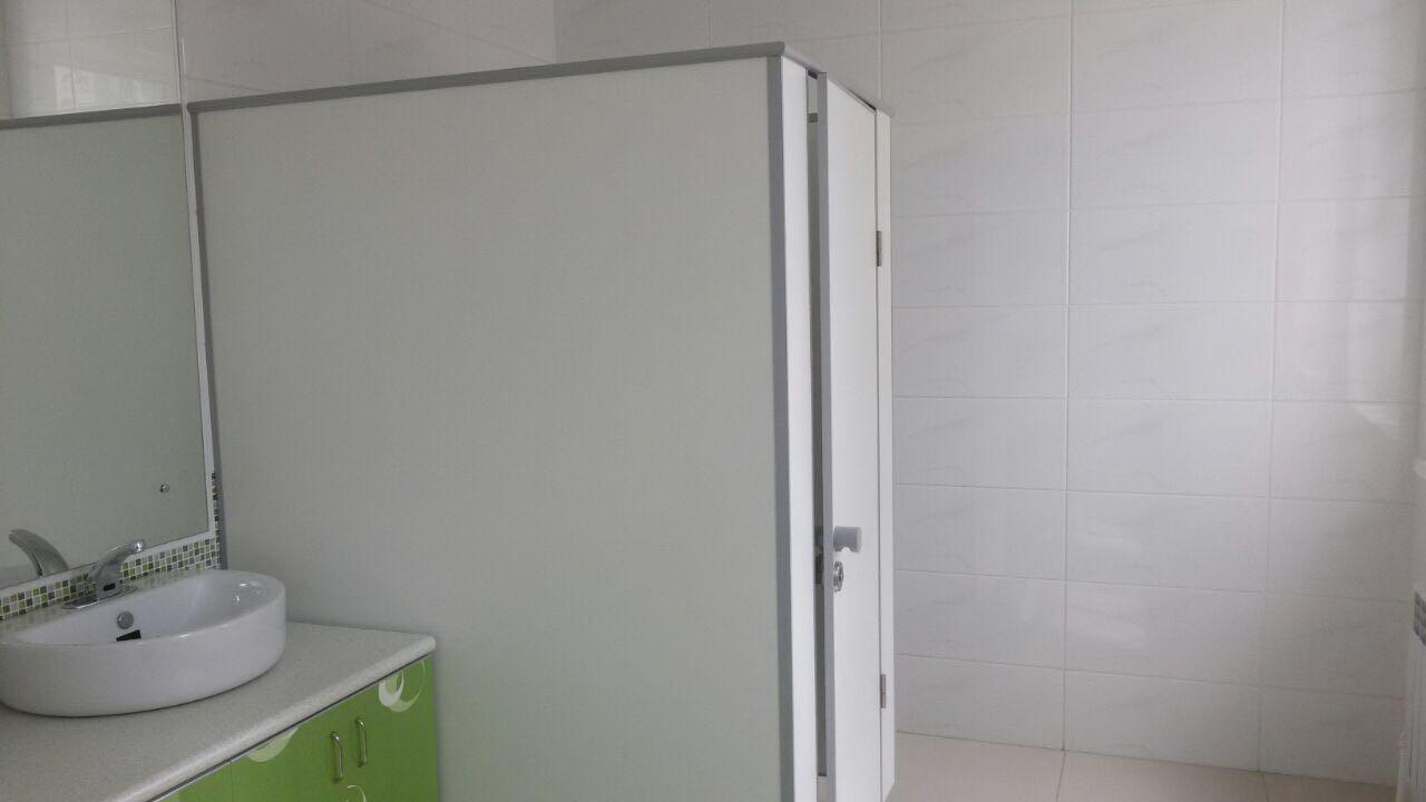 Установка дверей и перегородок из ДСП (4