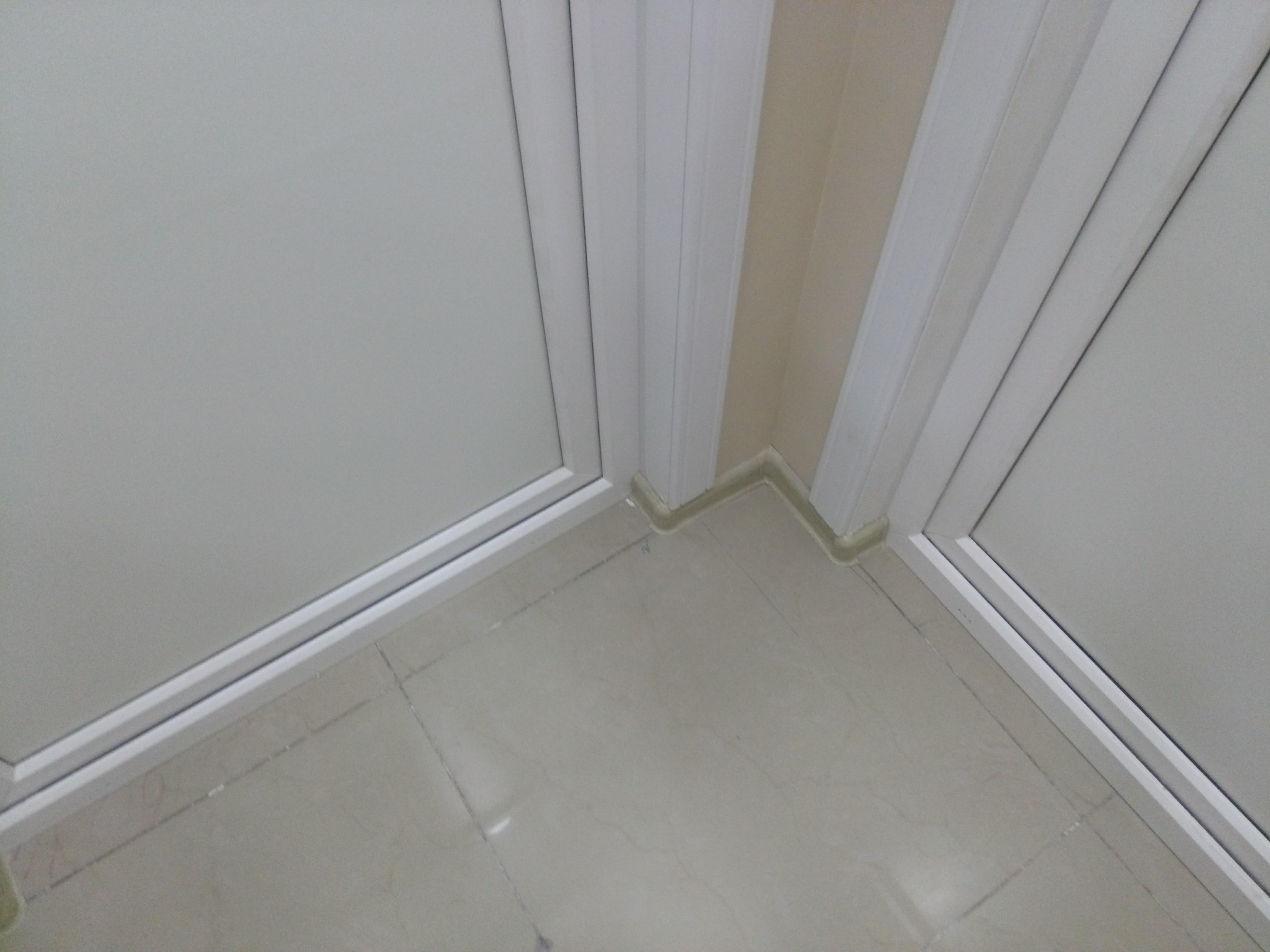 Установка дверей в медицинском центре г