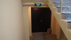 Установка дверей в офисе на Махалина (3)