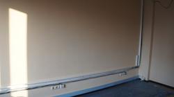 Покраска стен водоэмульсионной краской в