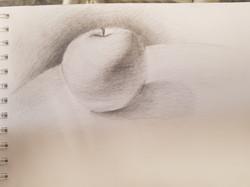 яблоко, карандаш. Автор_ Виктория