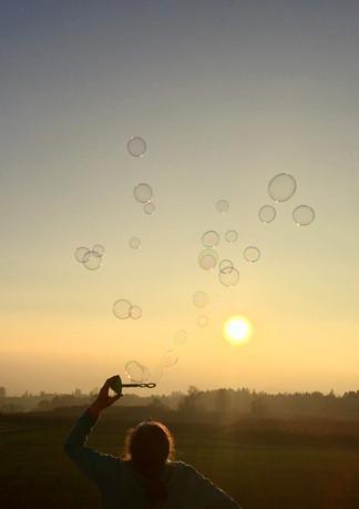 Seifenblasen blasen