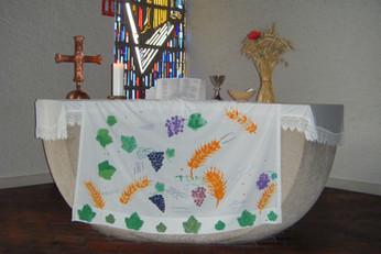 L'autel décoré par les enfants