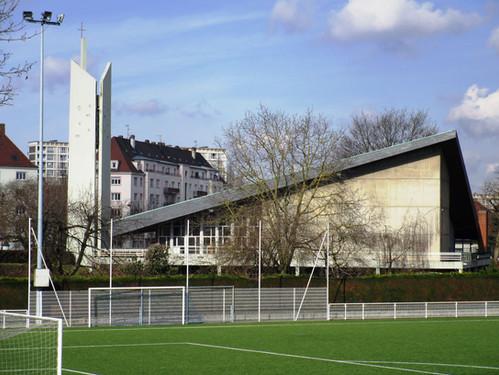 St. Matthieu vue depuis les terrains de foot