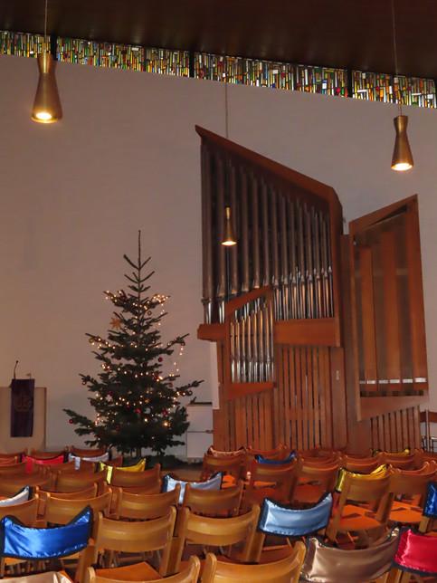 Orgue et sapin de Noël.JPG